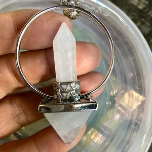 Jewelry - Quartz crystal wand Reiki pyramid pendulum